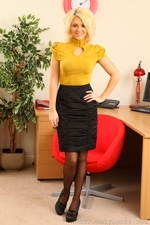 Blonde Emma Lou In Yellow Office Wear And Black Suspenders - Picture 1