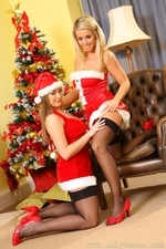 Jodie Gasson And Melissa D As Sexy Santas - Picture 5