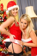 Jodie Gasson And Melissa D As Sexy Santas - Picture 6