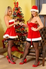 Jodie Gasson And Melissa D As Sexy Santas - Picture 10