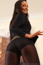 Stunning Brunette Daisy Watts In Gold Shiny Miniskirt With Opaque Pantyhose - Picture 9