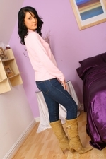 Dark Haired Emily J In Jeans And Pink Sweater - Picture 2